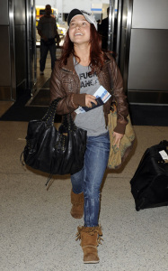 Hayden Panettiere candids on January 20th 2010 while at Miami International Airport 2