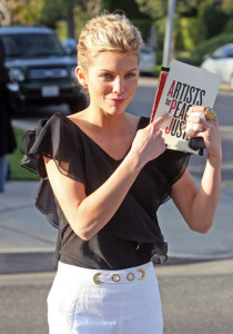 Annalynne McCord attends the Artists for Peace and Justice Haiti relief brunch on January 24th 2010 wearing white pants 3