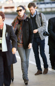 Anne Hathaway and her boyfriend Adam Shulman seen together on January 23rd 2010 while at Los Angeles International Airport 2