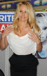 Pamela Anderson spotted on January 23rd 2010 at Rite Aid pharmacy in Narberth Pennsylvania 1