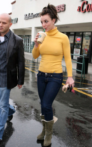 Britney Spears spotted heading to Starbucks in Calabasas California on January 26th 2010 wearing a yellow high neck top 3