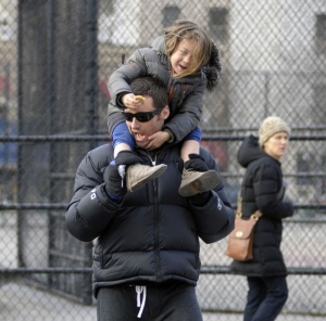 Hugh Jackman spotted with cute Ava after picking her up from school on January 26th 2010 in New York 7