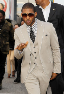 Usher arrives at the 52nd Annual GRAMMY Awards held at Staples Center on January 31st 2010 in Los Angeles California 5