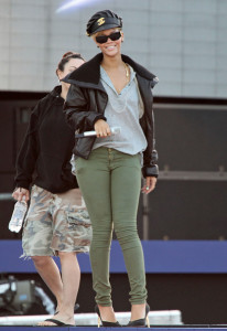 Rihanna spotted rehearsing for the the Pepsi Super Bowl Fan Jam concert on February 4th 2010  in South Beach 5