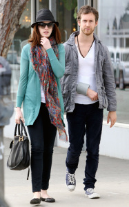 Anne Hathaway and her boyfriend Adam Shulman seen together while shopping for furniture on February 3rd 2010 in West Hollywood 3
