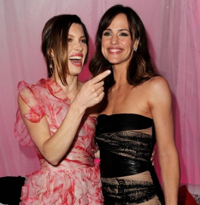 Jennifer Garner and Jessica Biel at the premiere of Valentines Day movie held on February 8th 2010 at Graumans Chinese Theatre in Hollywood 1