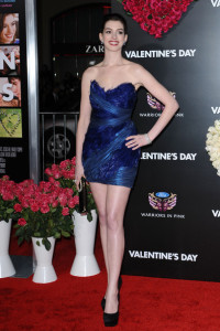 Anne Hathaway arrives at the movie premiere of Valentines Day held on February 8th 2010 at the Graumans Chinese Theatre in Los Angeles 7