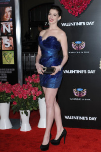 Anne Hathaway arrives at the movie premiere of Valentines Day held on February 8th 2010 at the Graumans Chinese Theatre in Los Angeles 5