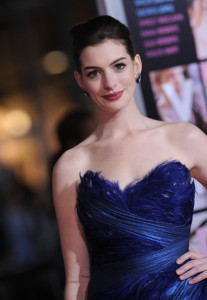 Anne Hathaway arrives at the movie premiere of Valentines Day held on February 8th 2010 at the Graumans Chinese Theatre in Los Angeles 1