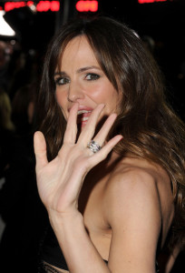 Jennifer Garner arrives at Valentines Day Los Angeles premiere held on February 8th 2010 at the Graumans Chinese Theatre in Hollywood 6