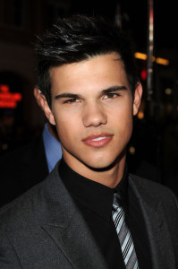 Taylor Lautner arrives at the movie premiere of Valentines Day held on February 8th 2010 at the Graumans Chinese Theatre in Los Angeles 3