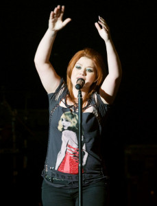 Kelly Clarkson picture while singing live on stage at the O2 Academy concert on February 11th 2010 in Glasgow Liverpool 4