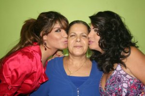 Asmae Mahalawi from Tunisia with her sister Amal Mahalawi and their mother