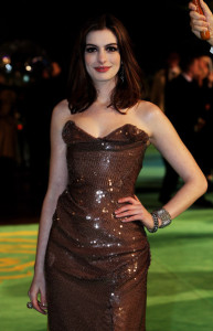 Anne Hathaway arrives at the Royal World Premiere of Alice In Wonderland held at the Odeon Leicester Square on February 25th 2010 in London England 8