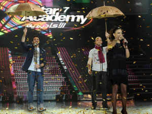 picture of the second prime of Star Academy 7 on February 26th 2010 while Hilda Khalifeh on stage after Mahmoud Shokry from Egypt and Mahdi from Algeria finished their English song