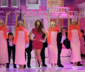 picture of the second prime of Star Academy 7 on February 26th 2010 while Rania from Egypt singing on stage during a pink dressed tableau