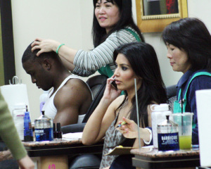 Kim Kardashian seen with Reggie Bush at a nail salon on February 25th 2010 in Los Angeles 2