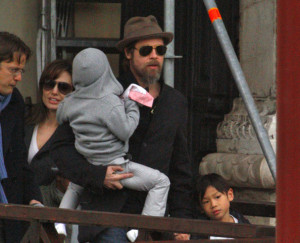 Angelina Jolie and Brad Pitt picture as they were leaving their apartment with their children on February 28th 2010 in Venice 2
