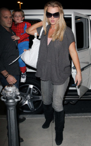 Britney Spears was spotted taking her kids to the movie theater on March 1st 2010 in Calabasas California 3