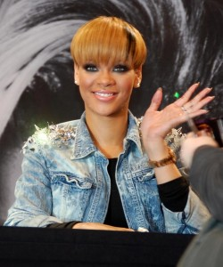Rihanna picture while signing autographs for fans on March 4th 2010 at the Alexa shopping mall in Berlin Germany 4
