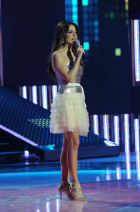 star academy fouth prime on March 12th 2010 picture of Hilda Khalifeh on stage