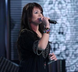 star academy fouth prime on March 12th 2010 picture of Badria Al Sayyed from Marocco singing on stage