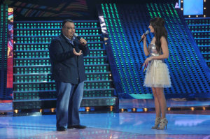 star academy fouth prime on March 12th 2010 picture of Nabil Shoail on stage with Hilda Khalife