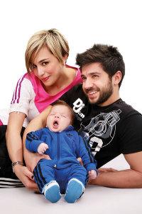 Salma Ghazali picture with her born baby boy Zain and her husband Bashar Ghazawi 1