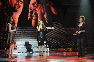 picture of the Fifth Prime of star academy on March 19th 2010 with Nawal Zoghbi singing on stage and joined by Miral from Syria and Asmaa from Tunis