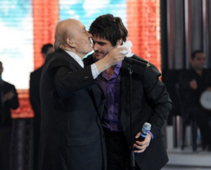 picture of the Fifth Prime of star academy on March 19th 2010 with Wadi Al Safi kissing Nassif Zeitoun from Syria