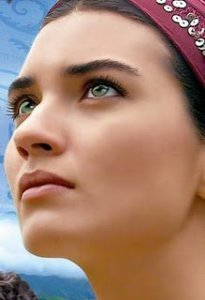 turkish model and actress Tuba Buyukustun photo shoot for Gonulcelen the new turkish drama series 2