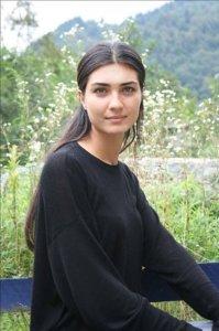 turkish model and actress Tuba Buyukustun pic