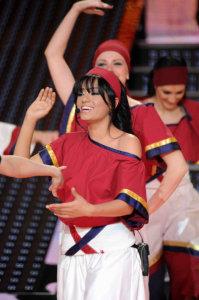 picture of the seventh prime of star academy 7 on April 2nd 2010 with Rahma from Iraq in a Dabkeh Tableau