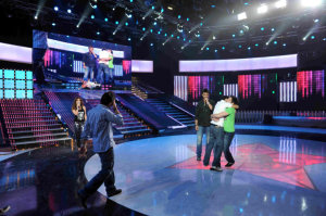 picture on April 9th 2010 from the 8th prime of Star Academy seven of Hilda Khalife with the two left nominees voting results of Rayan Eid and Mohamad Ali