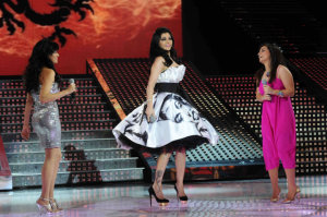 picture on April 9th 2010 from the 8th prime of Star Academy seven of Haifa Wehbe singing with Zena Aftimos and Rahma Reyadh