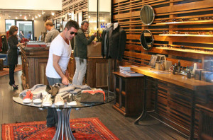 Simon Cowell and his fiance Mezhgan Hussainy seen together on March 15th 2010 as they were shopping at the Malibu country market 8