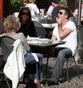 Simon Cowell and his fiance Mezhgan Hussainy out shopping and having dinner together in Beverly Hills 7