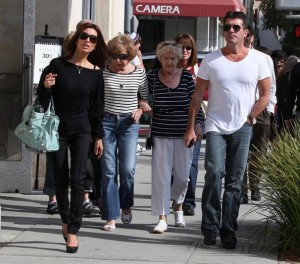 Simon Cowell and his fiance Mezhgan Hussainy out shopping and having dinner together in Beverly Hills 15