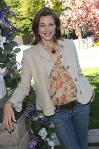 Brenda Strong attends the celebrity rally on ABCs Wisteria Lane to raise awareness about child hunger on April 7th 2010 in Universal City 2