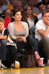 Lauren Sanchez attends a game between the Oklahoma City Thunder and the Los Angeles Lakers at Staples Center on April 18th 2010 in Los Angeles 2