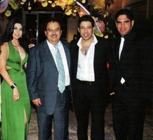 Haifa Wehbe picture with her husband Ahmed abo Hashimah together with egyptian singer Hamaki