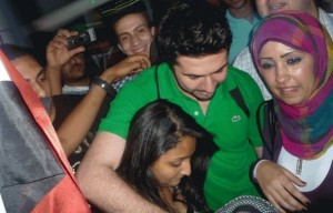 Mahmoud Shokry picture as he reaches Cairo Airport and meets with his fans 2