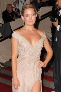 Kate Hudson attends the Costume Institute Gala of the American Woman Fashioning a National Identity exhibition on May 3rd 2010 at The Metropolitan Museum of Art 3