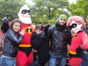 Mohamad Ramadan picture along with Asma Mahalawi and Rahma Ahmad during their prize trip to Euro Disney in Paris 2