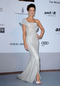 Kate Beckinsale attends the 63rd Annual Cannes Film Festival amfARs Cinema Against AIDS Gala held on May 20th 2010 at the Hotel du Cap Eden Roc in Antibes France 1