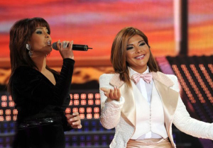 Asala Nasri singing with Badria Al Sayyed at the fifteenth prime on May 28th 2010 of the 7th season of staracademy