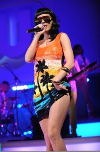 Katy Perry photo on May 20th 2010 from her Performance during The CW Network Upfront Presentation in New York 4