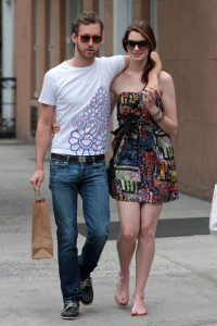 Anne Hathaway spotted with her boyfriend Adam Shulman on June 1st 2010 as they walk together in the West Village 3