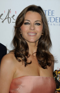 Elizabeth Hurley attends the Evelyne H Lauder photo Exhibition at Galeries Lafayette on June 1st 2010 in Paris France 10