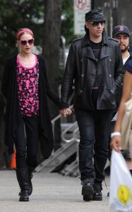 Marilyn Manson visits Evan Rachel Wood on the filming set of Mildred Pierce on May 28th 2010 in New York City 4